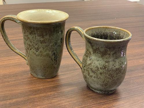 Lot 124 - Mug Set