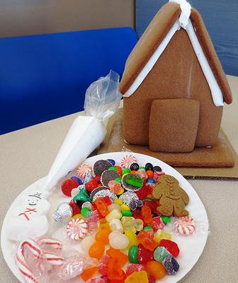 Deluxe Gingerbread House