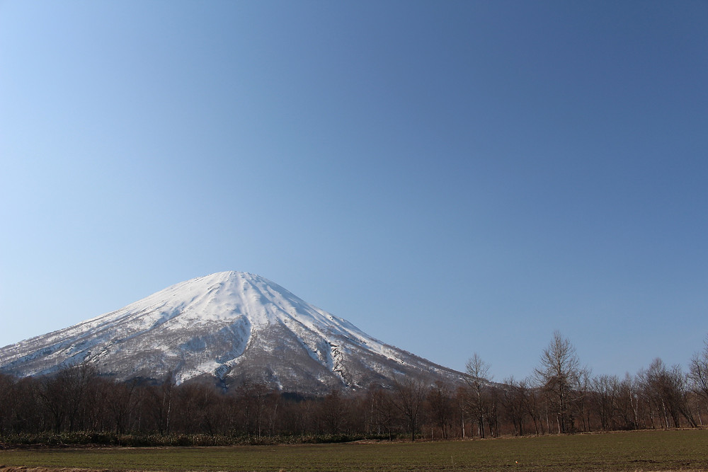 京極から見た羊蹄山