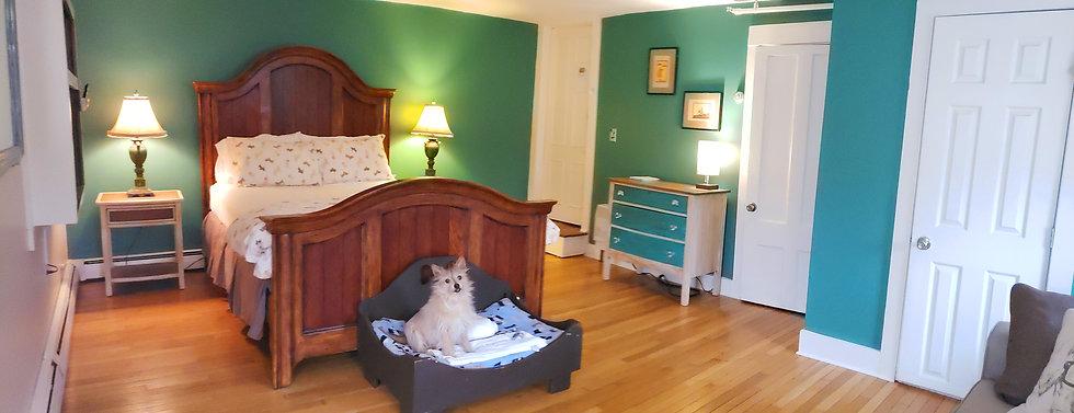 spot bedroom.jpg
