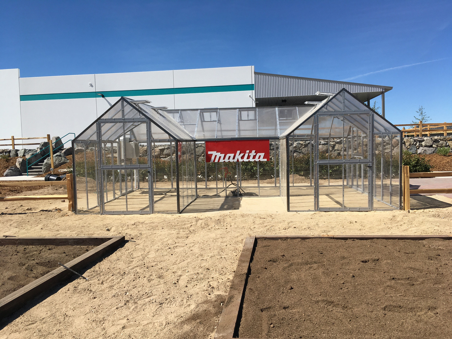 Modular Greenhouses - Makita 7