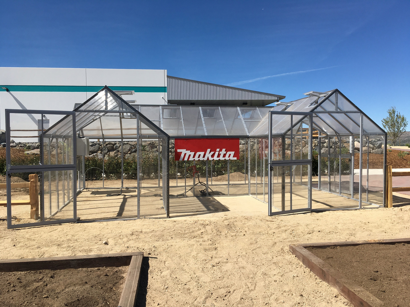 Modular Greenhouses - Makita 5