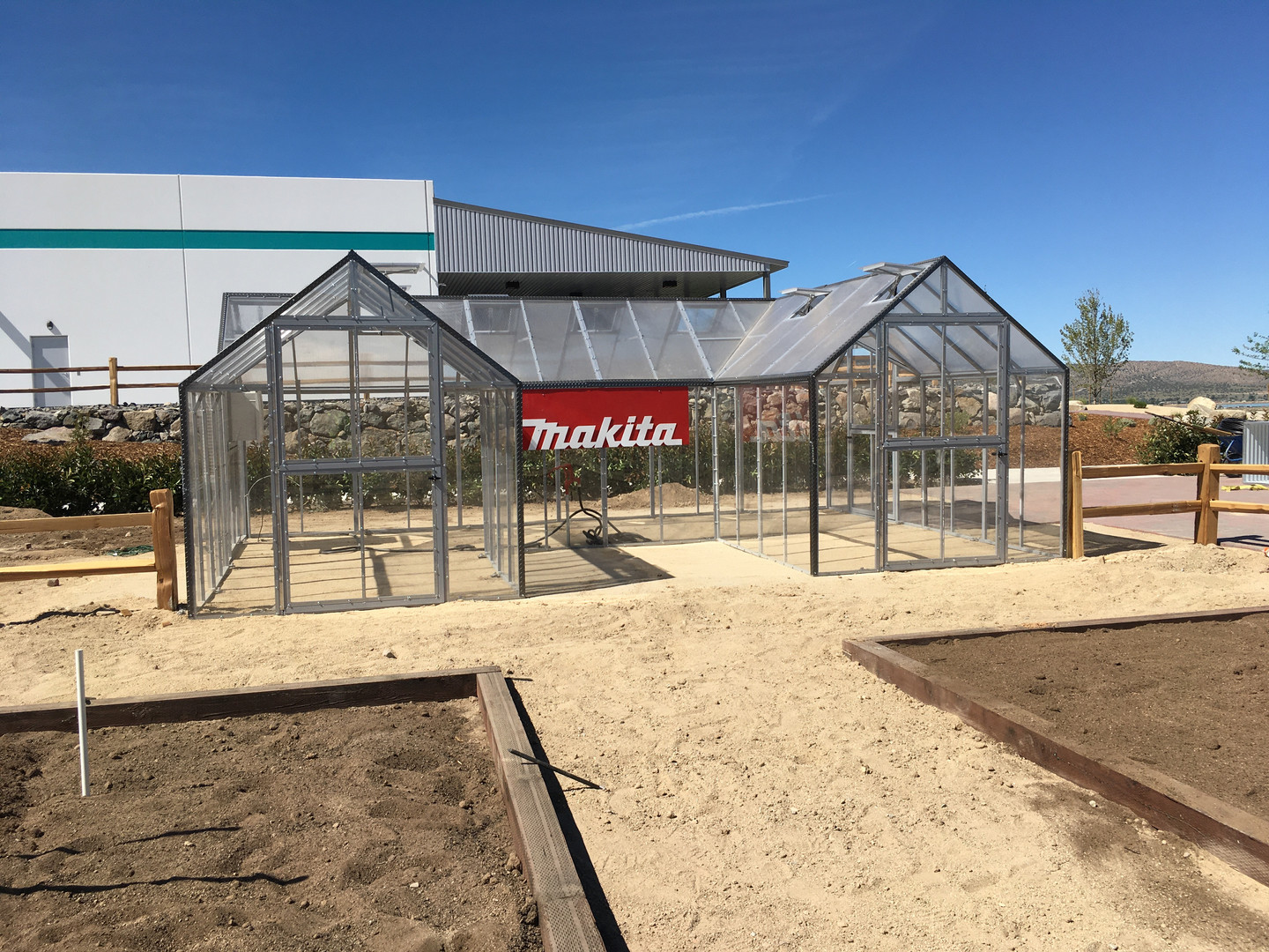 Modular Greenhouses - Makita 14