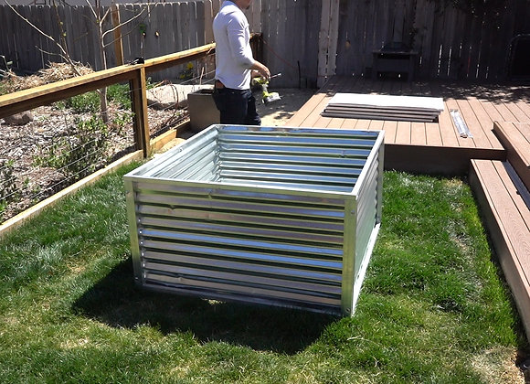 "4' x 4' 26"" Tall Modular Raised Bed"