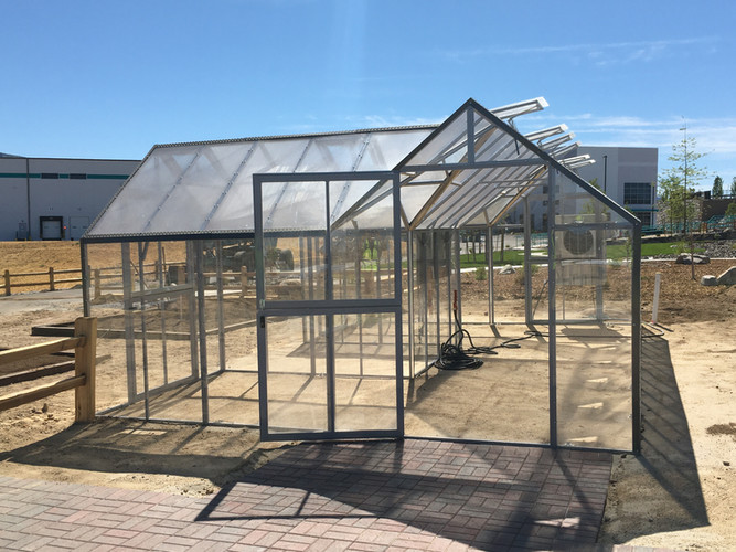 Modular Greenhouses - Makita 10