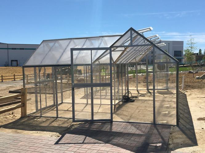 Modular Greenhouses - Makita 10