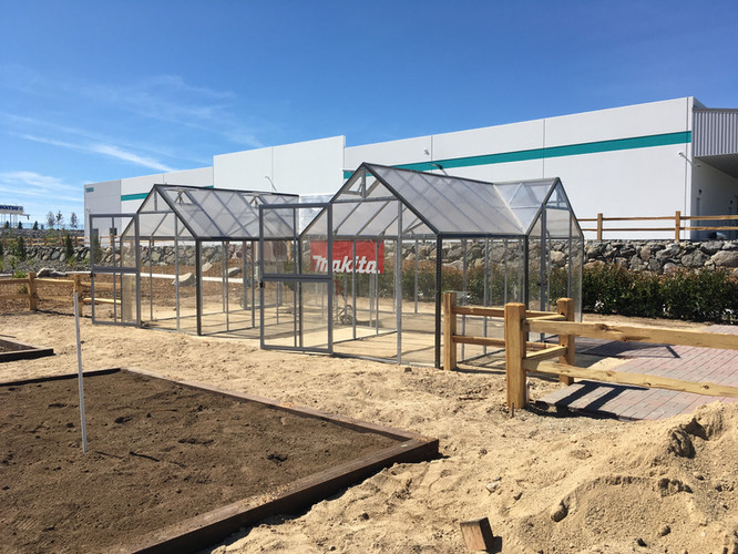 Modular Greenhouses - Makita 9