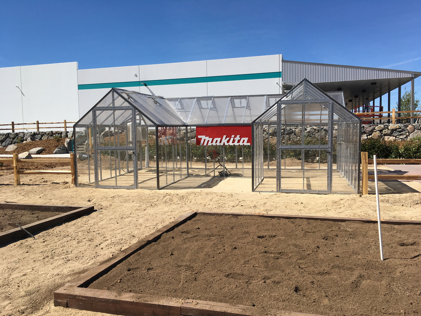 Modular Greenhouses - Makita 12