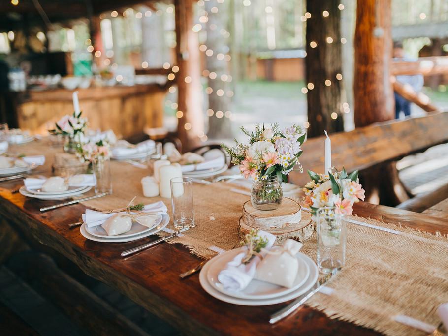 Outdoor rustic wedding theme