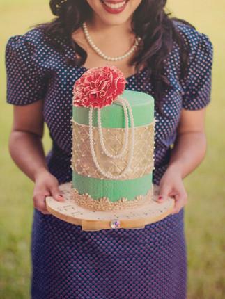 ENTICINGCAKEBOUTIQEU_JADE WEDDING CAKE.j