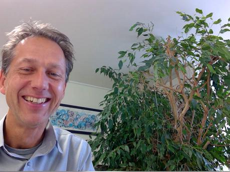 Herr Grütter über den Wechsel von der Kanti Küsnacht nach Zuoz und seinen Bürobaum