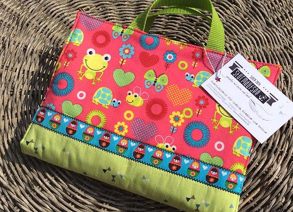 """Kiddie Art Bag """"Frog - Pink"""" - Maltasche - Geschenkidee   sturmaufsee.ch   genähtes mit Sturm und Seele - handmade"""
