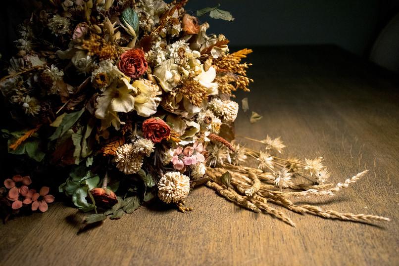 dried-flowers-1680390_1920.jpg