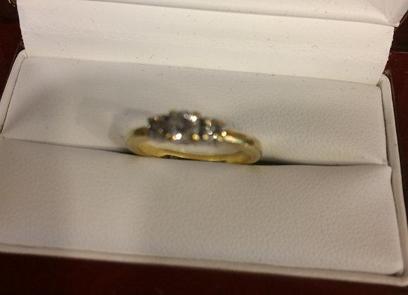 18 kt gold ladies wedding ring