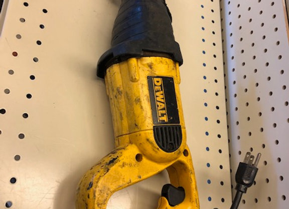 DEWALT DW303M RECIPROCATING SAW