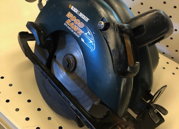 BLACK & DECKER WOOD HAWK CIRCULAR SAW