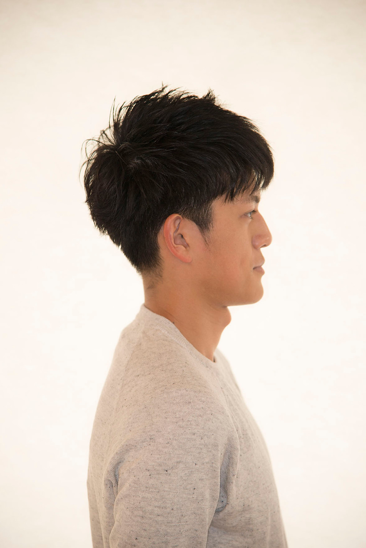 爽やかな横からの髪形