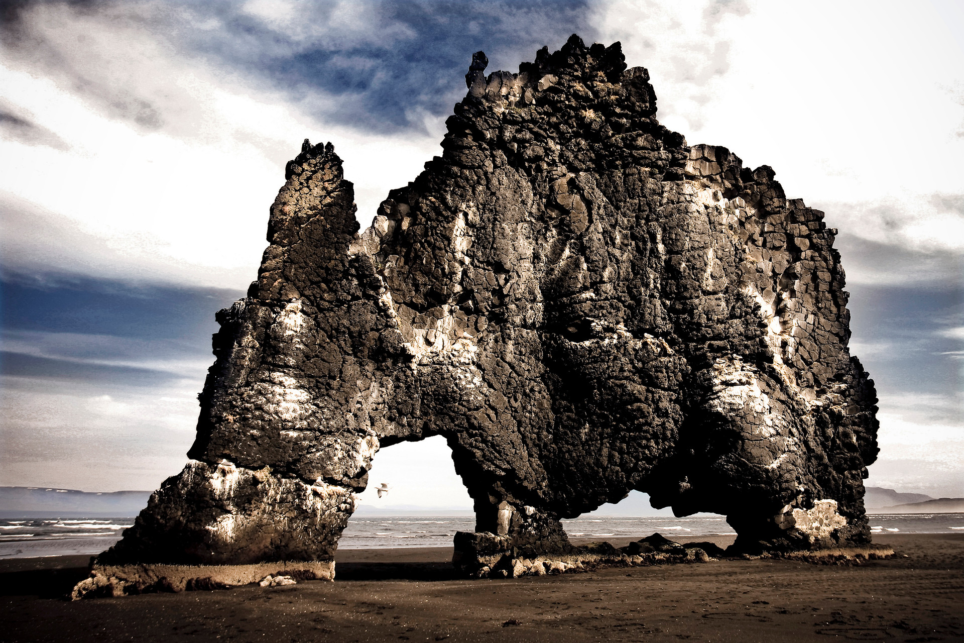 Islanda. Hvitserkur