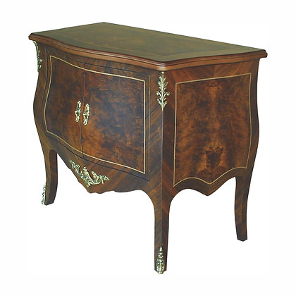 001/064  Bombe Commode 55.12 x 20.47 x 32.68 in