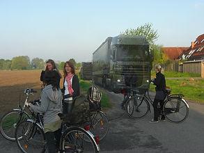 Esch-Schuelerweg -Montage LKW_Gesichter
