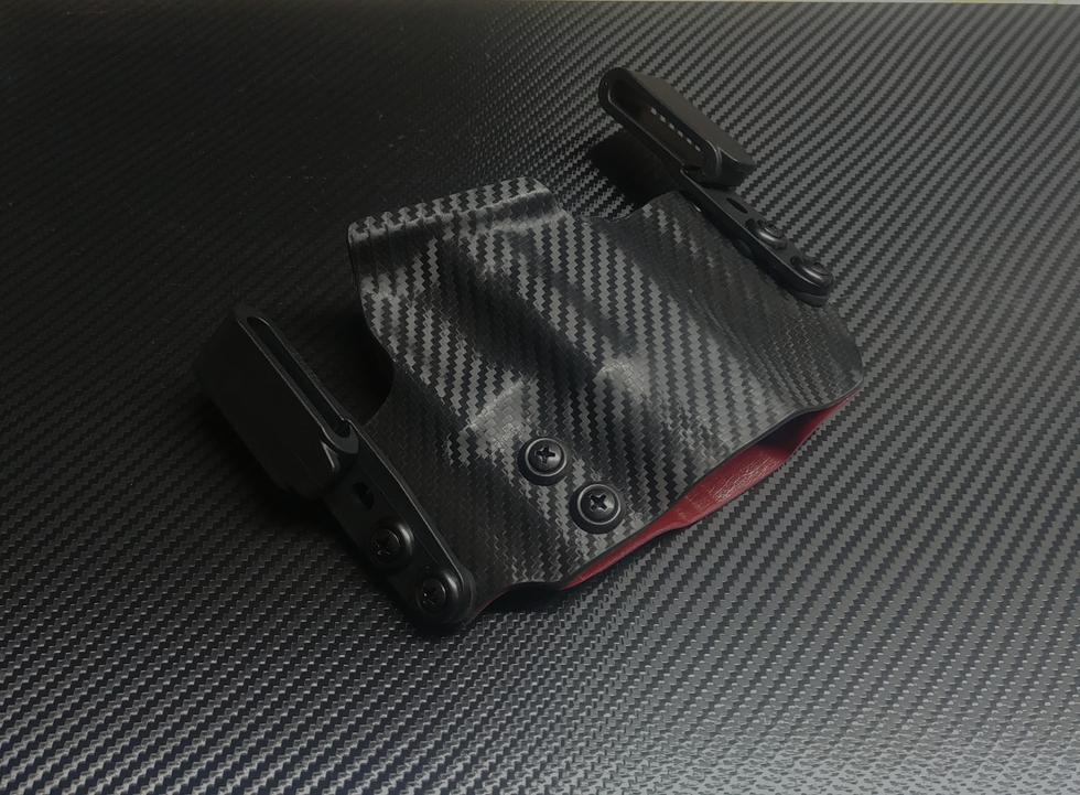 GLock 19 Dual Clip IWB in Carbon Fiber a