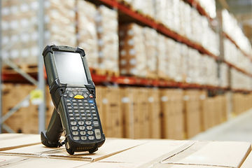 Bluetooth barcode scanner in front of mo