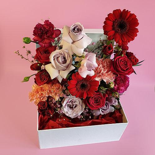 VALENTINE'S FLOWER BOX