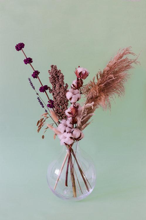ואזת בלה שקופה עם פרחים יבשים