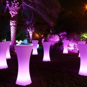 4 cách sử dụng bàn ghế LED để trang trí cho sự kiện