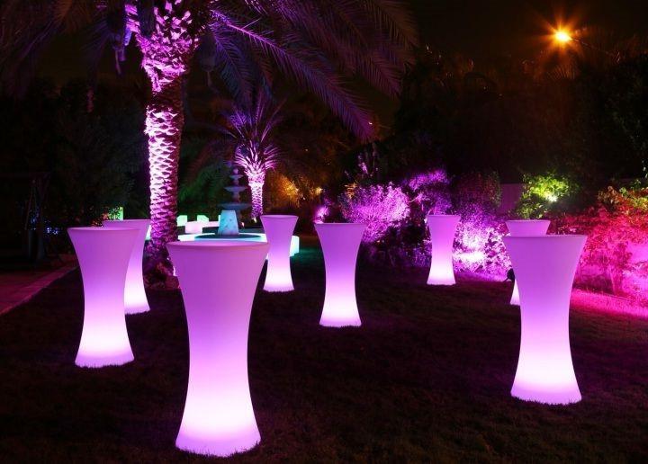 Kết hợp bàn ghế LED và âm nhạc trong sự kiện - Công ty tổ chức sự kiện Rồng Việt