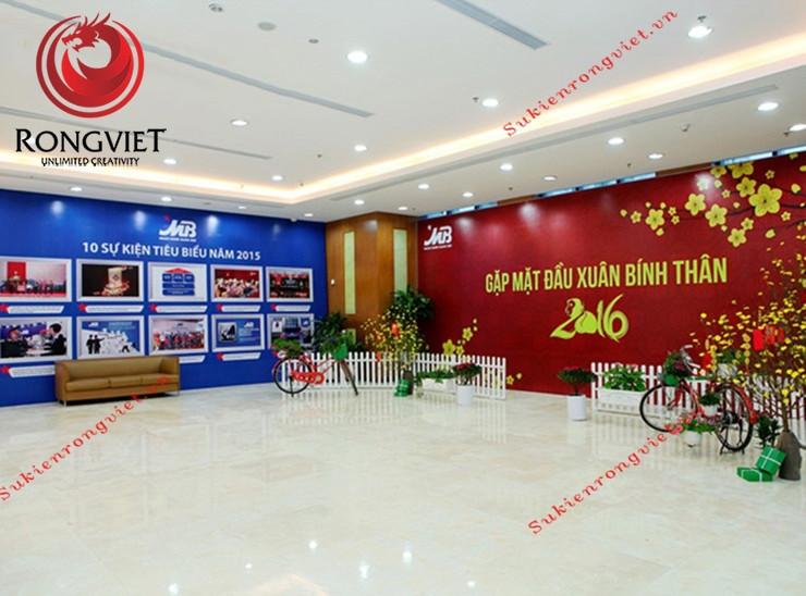 Khu vực booth chụp hình phía ngoài sảnh Ngân hàng - Công ty sự kiện Rồng Việt