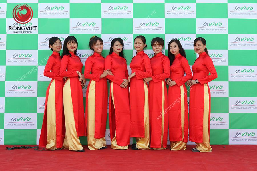 Đội ngũ lễ tân duyên dáng trong tà áo dài truyền thống - Công ty sự kiện Rồng Việt