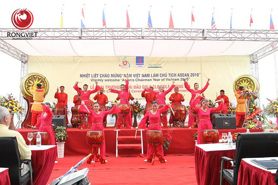 Nhóm múa trống chuyên nghiệp do sự kiện Rồng Việt cung cấp - Công ty sự kiện Rồng Việt