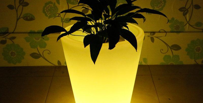 đèn led để bàn tiệc