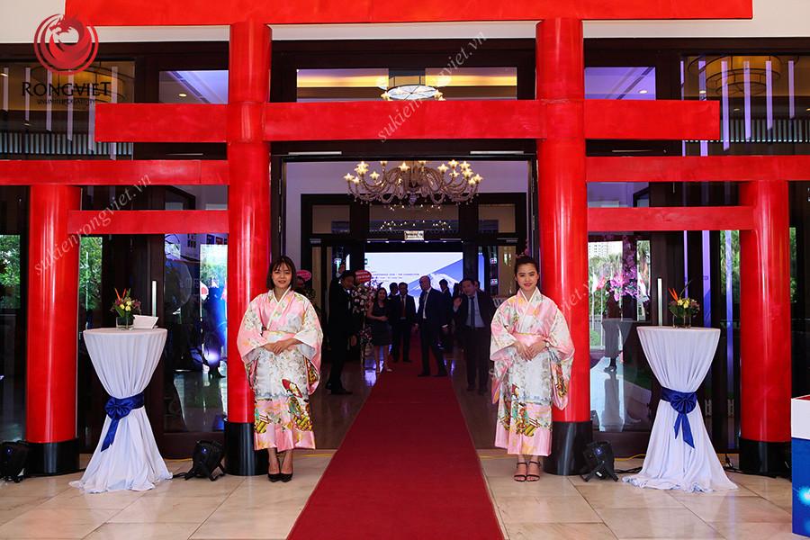 Khu vực cổng chào tại lễ tri ân khách hàng của JCB - The connection 2018Khu vực cổng chào tại lễ tri ân khách hàng của JCB - The connection 2018Khu vực cổng chào tại lễ tri ân khách hàng của JCB - The connection 2018 - Công ty sự kiện Rồng Việt