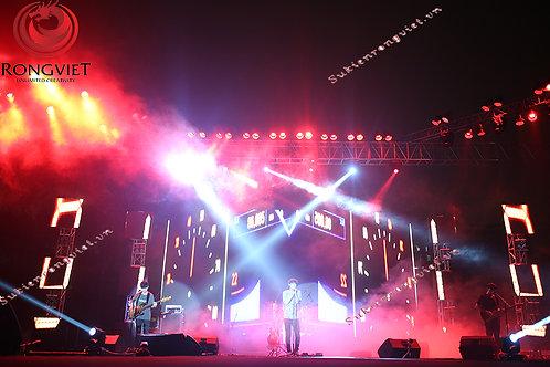 Set up ánh sáng sân khấu