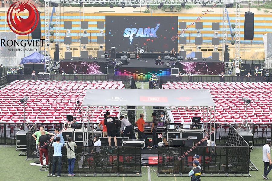 Hệ thống âm thanh trong sự kiện 1st Spark concert - công ty sự kiện Rồng Việt