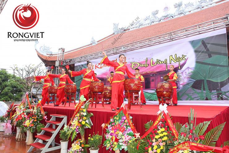 Nhóm múa trống biểu diễn trong lễ khánh thành - công ty sự kiện Rồng Việt