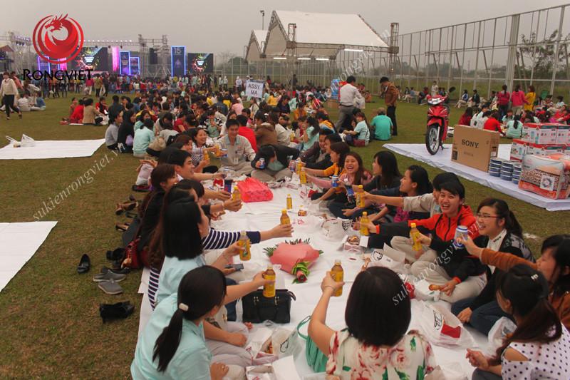Nhân viên Canon ăn mừng lễ kỉ niệm - Công ty sự kiện Rồng Việt