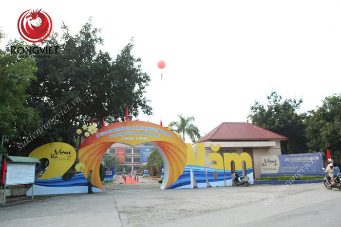 Cổng chào tại lễ kỷ niệm 20 năm thành lập Vicem Hoàng Mai - Công ty sự kiện Rồng Việt