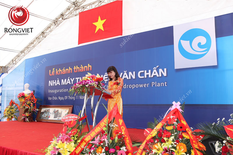 Bục phát biểu dùng trong sự kiện - công ty sự kiện Rồng Việt