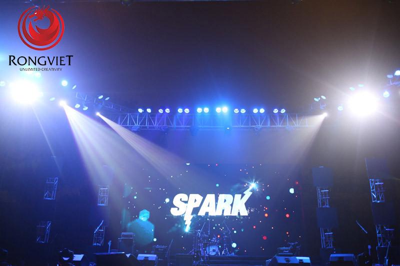 Sân khấu chính của 1st Spark Concert - Tổ chức sự kiện - Công ty sự kiện Rồng Việt