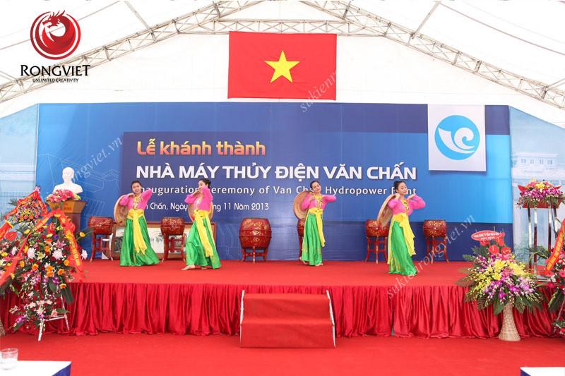 Nhóm múa dân gian – đương đại - Công ty sự kiện Rồng Việt