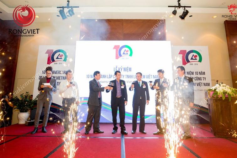 Lãnh đạo công ty mở màn lễ kỷ niệm 10 năm thành lập Logitem - Công ty sự kiện Rồng Việt