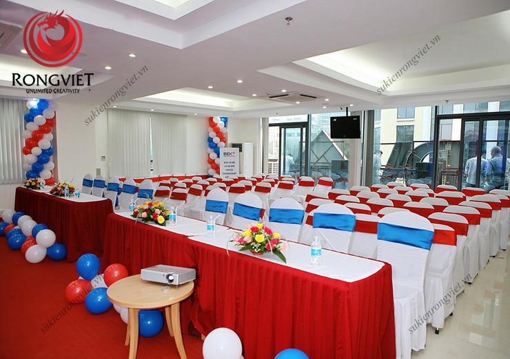Hệ thống bàn ghế - thiết bị sự kiện do sự kiện Rồng Việt cung cấp - Công ty sự kiện Rồng Việt