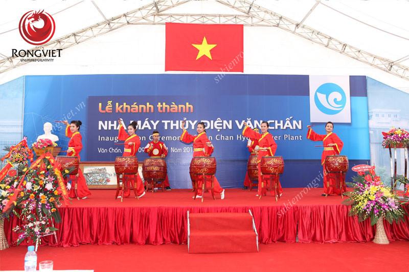 Nhóm múa trống - Công ty sự kiện Rồng Việt