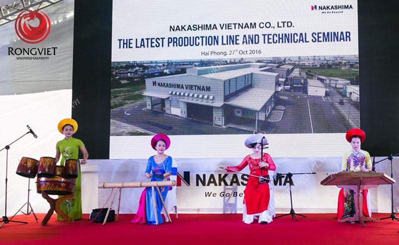 Biểu diễn nhạc cụ dân tộc tại chương trình - Công ty sự kiện Rồng Việt