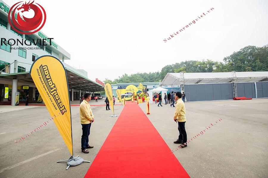 Hệ thống Standee và thảm đỏ dành riêng cho sự kiện - Công ty sự kiện Rồng Việt