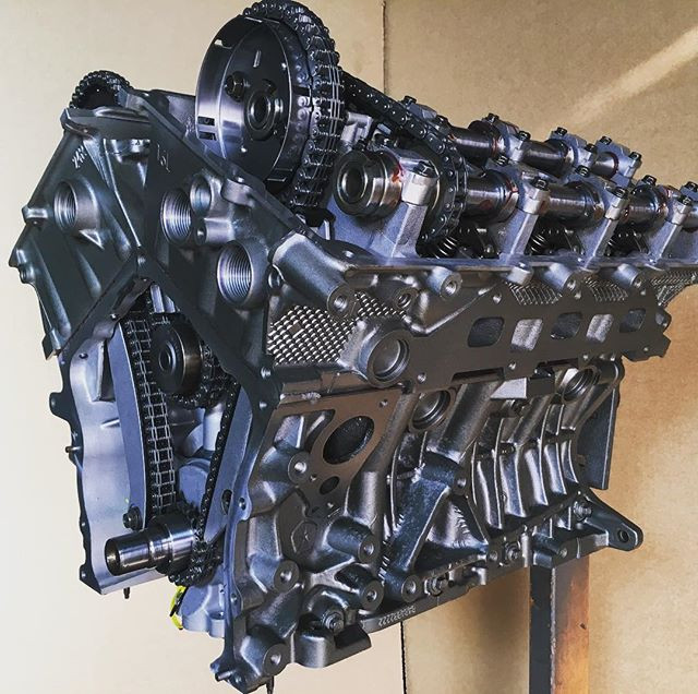 Chrysler 2.7L Barmette's Remanufactured Engine