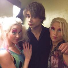 Backstage under Fairytales samen med Alexander Rybak og MillaT